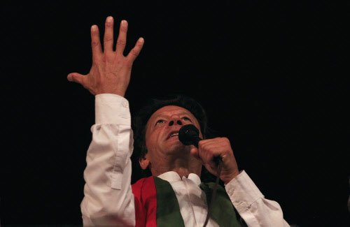 Rift in Khan's party over march to PM House,4 leaders expelled