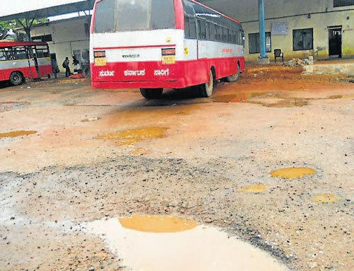 Delay in bus stand work irks commuters
