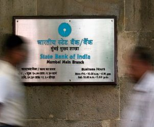 SBI seeks RBI's permission to launch contact-less debit cards