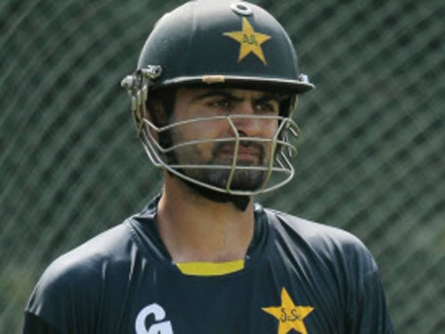 Shehzad ducks media queries on Lahore Lions' arrival in India