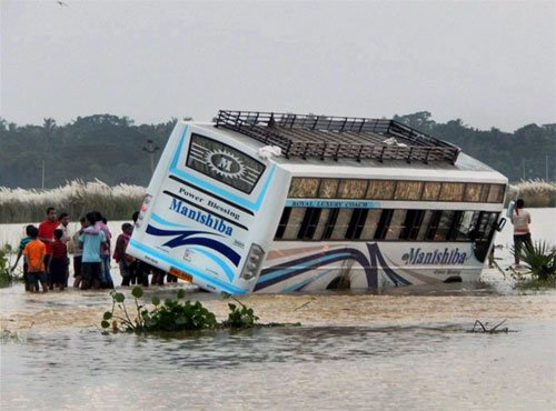 16 people killed as bus falls into gorge in U'khand