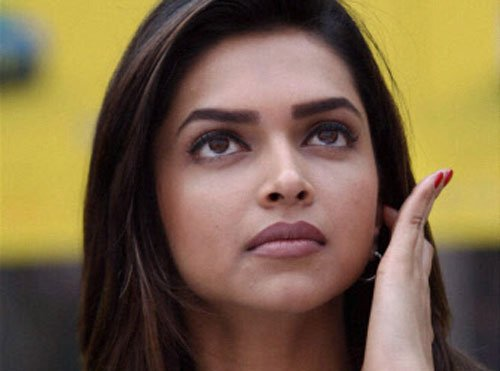 Yes, I have cleavage! You got problem: Deepika asks a daily