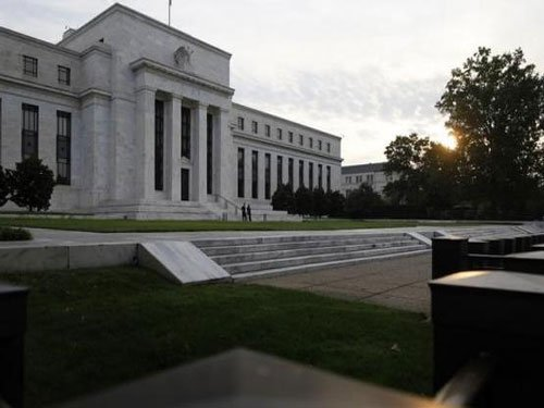 Fed renews zero rate pledge, but hints at steeper rate hike path