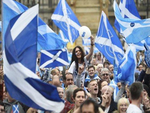 Scottish referendum on independence commences