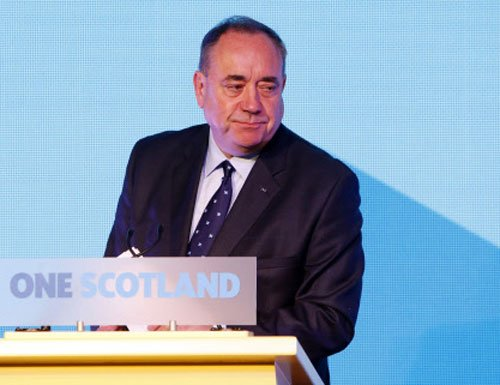 Scotland first minister Alex Salmond quits  after losing independence vote