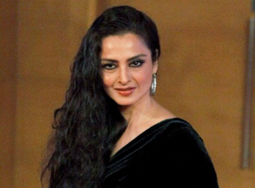 Rekha does a Madhubala in 'Super Nani'