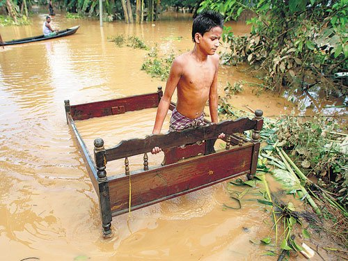 Toll rises to 30 in Assam floods