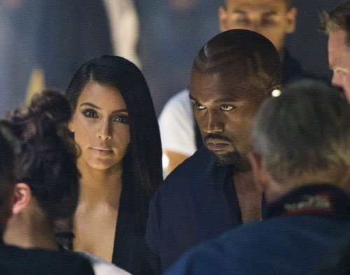 Kim accosted by ex-scribe at Paris Fashion Week