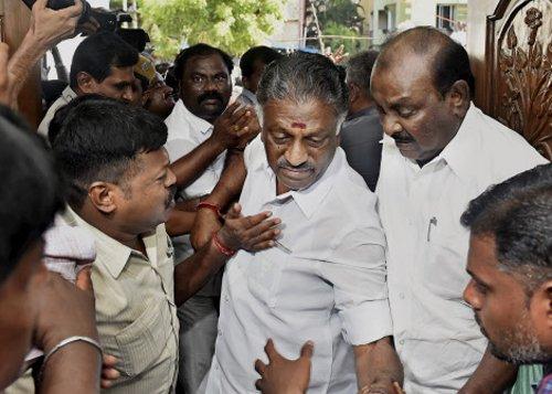 TN Ministers retain portfolios allocated by Jaya