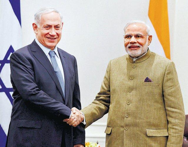 Netanyahu meets Modi, calls for boosting ties