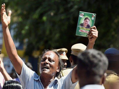 TN sees 18th suicide after Jaya verdict