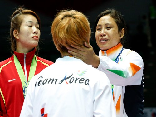 Boxer Sarita faces AIBA probe for returning medal