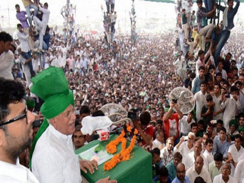 Chautala meets supporters in Jind days after Delhi HC's notice