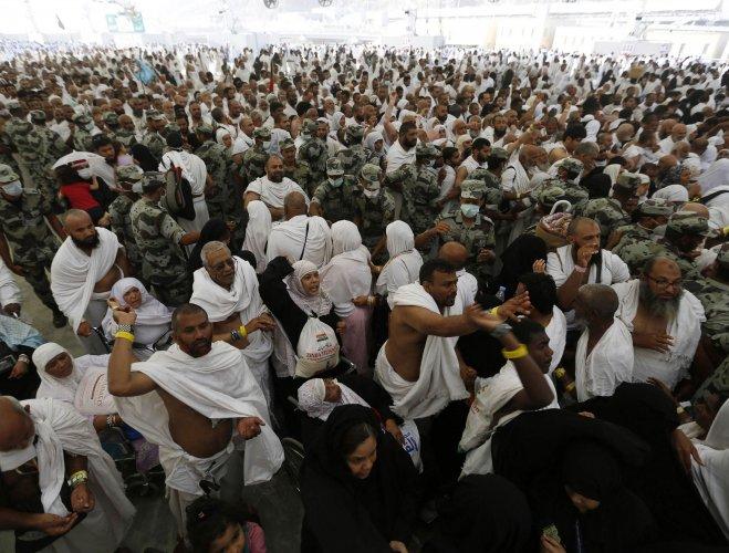 Stoning ritual continues as Haj nears end