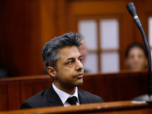 I'm bisexual:Dewani tells S African court as his trial begins
