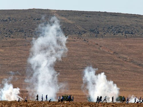 Clashes for Syria's Kobane kill 400 in three weeks: monitor