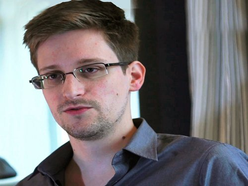 Snowden and the Pope tipped for 'wide open' Nobel peace prize