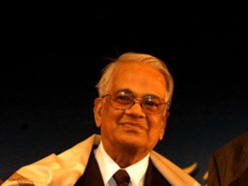 Veteran journalist M V Kamath passes away