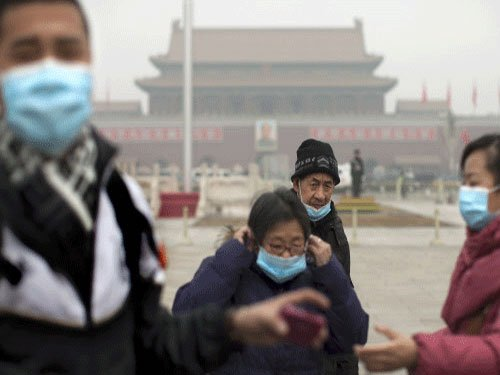 China tries to keep a lid on air pollution for APEC Summit