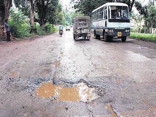 Repair of State highways only after rains stop