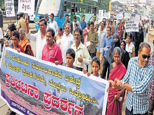 Jokatte residents demand closure of Sulphur, Coke units