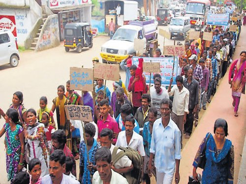 Implement Forest Rights Act, demand tribals