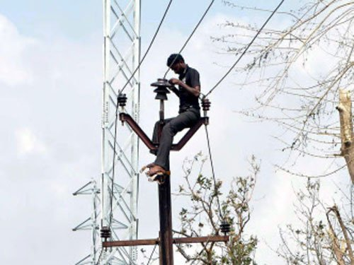 Power supply partially restored, mobile srvcs improve in Vizag