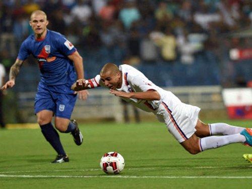 Moritz hat-trick for Mumbai sinks Pune