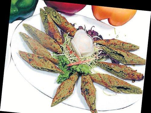 Veg kebabs on  a platter
