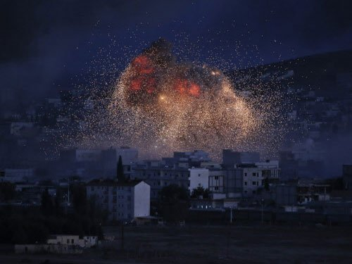 IS attacks crossing as Kobane awaits Iraq Kurd relief