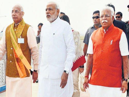 Khattar sworn in as CM | Deccan Herald
