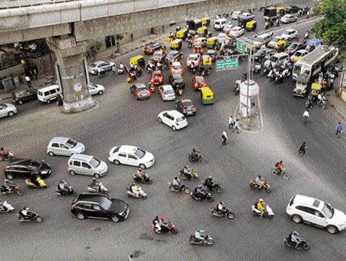Centre plans to  go ahead with  Road Safety Bill