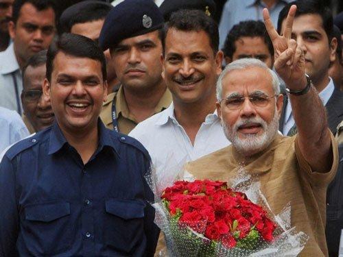Sena praises 'Narendra-Devendra' combine but warns BJP on NCP