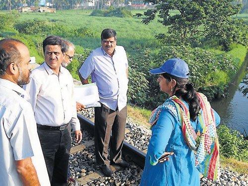 DC sets deadline for completion of drain works under JnNURM