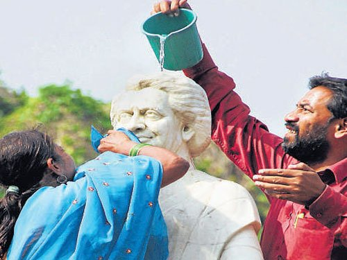 BJP gung-ho on Iron Man, Cong to go high on Indira