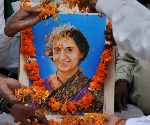 Leaders pay tributes to Indira Gandhi on death anniversary