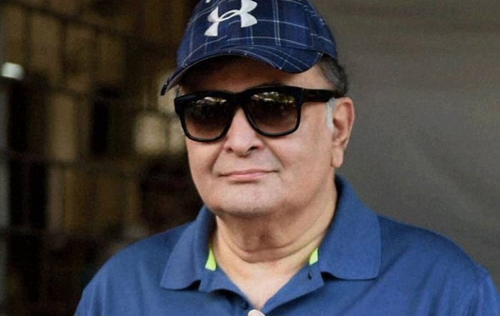 Rishi Kapoor out of hospital