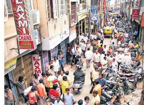 Hawkers 'book' slots on this avenue of income for cops