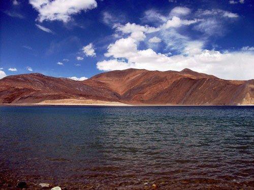 Chinese army enters Indian waters at Pangong Lake