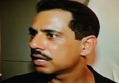 Goa Congress leader apologises for Vadra's angry snap