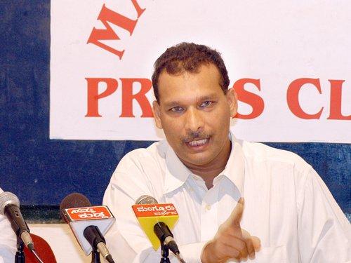 Karnataka rape row: MLC targets Eshwarappa's wife