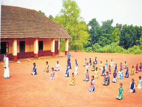 Aladangady students learn Karate