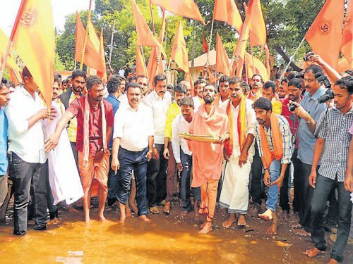 Protesters demand plan to check Souparnika river pollution