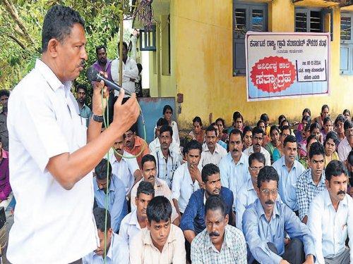 GP workers begin indefinite stir demanding basic facilities