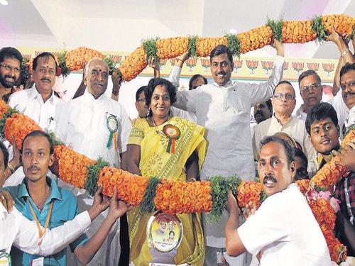 BJP sets target of 120 seats in TN