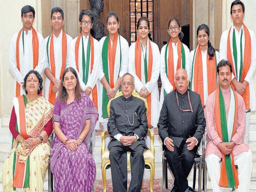 5 kids from State get Prez award
