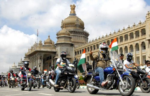 State sets up panel to probe rising cost of Survarna Soudha