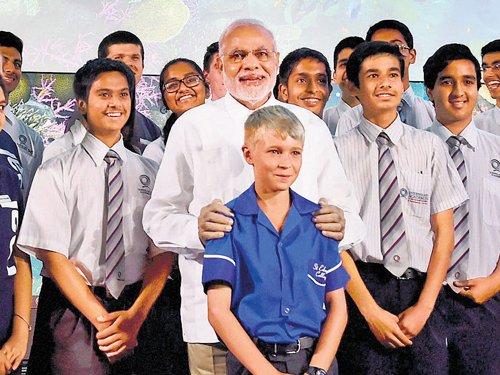 Modi wows students in Oz, recalls  Nehru