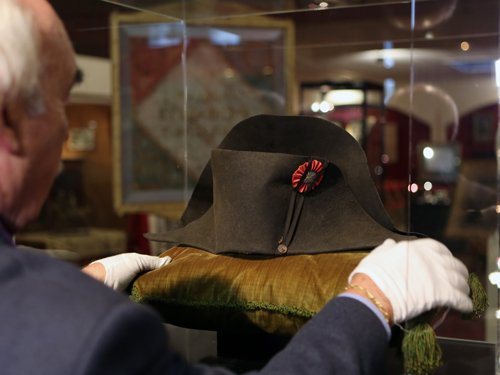 Napoleon's two-pointed hat goes under hammer