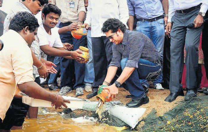Tendulkar unveils dreams of AP village